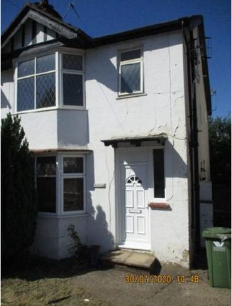 5 bed semi-detached house to rent in Hughenden Road, High Wycombe HP13