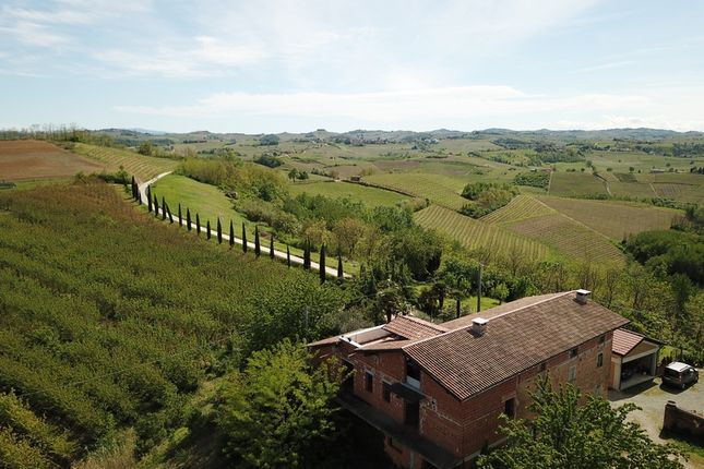 Thumbnail Country house for sale in Mombaruzzo, Asti, Piedmont, Italy