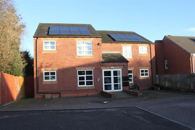 2 bed flat to rent in New Street, Chasetown, Burntwood WS7