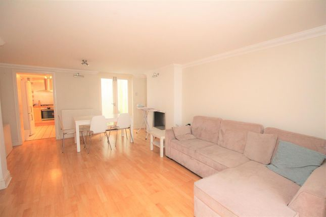 Thumbnail Flat to rent in Victoria Road, Brighton