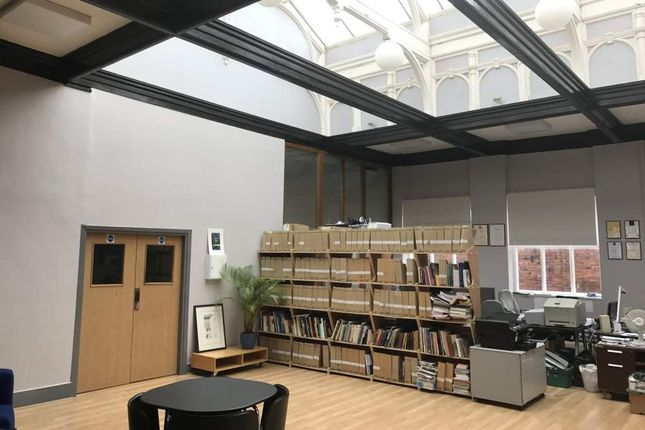 Office to let in Co Work @ The Library, Sheffield