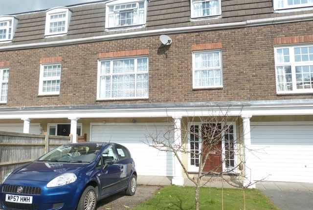 Thumbnail Terraced house to rent in Concord Close, Tunbridge Wells