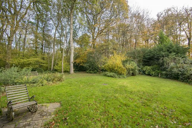 Garden of Beechwood Close, Crays Pond, Reading RG8