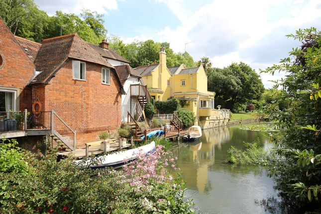 Thumbnail Town house for sale in Wargrave Road, Henley-On-Thames