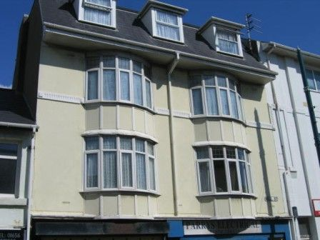 Thumbnail Flat to rent in Well Street, Porthcawl