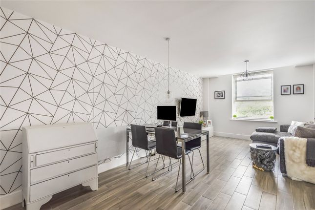 Picture No. 03 of The Long Room Apartments, Summerhouse Lane, Harefield, Uxbridge UB9