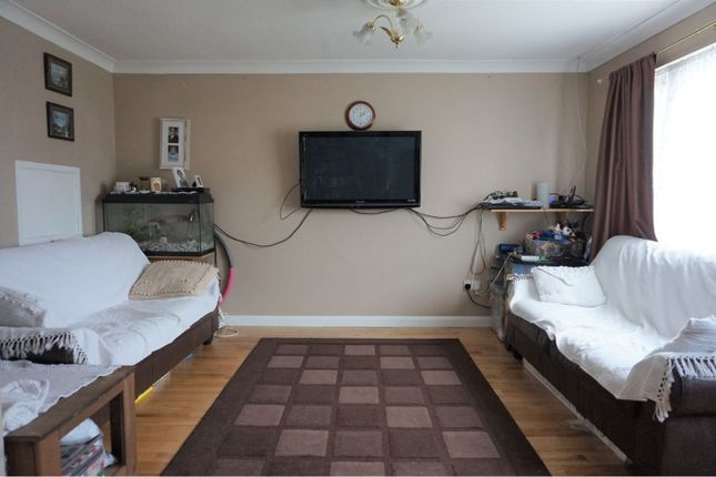 Living Area of Teesdale Road, Slough SL2