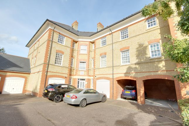 Thumbnail Flat for sale in Donovan Place, Winchmore Hill
