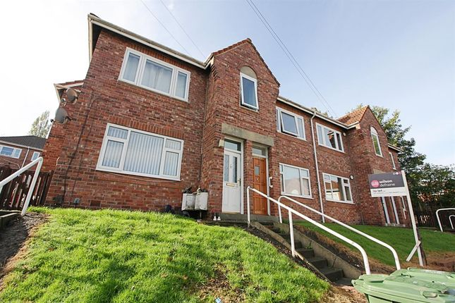 Thumbnail Flat to rent in Poplar Crescent, Dunston