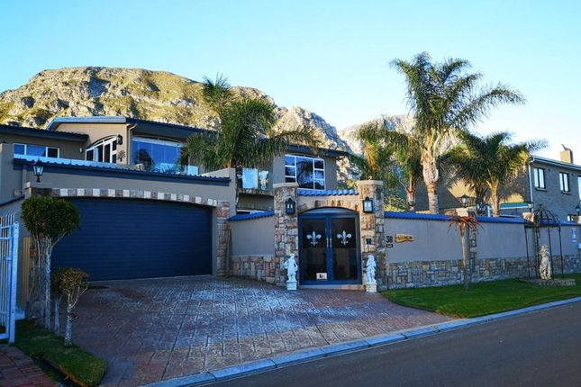 Thumbnail Detached house for sale in 9th Street, Hermanus, South Africa