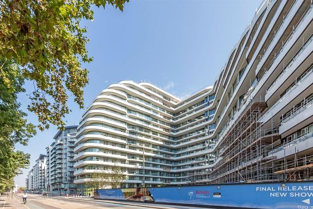 Thumbnail Flat for sale in Vista Sophora Building, Three Bedroom. Chelsea Bridge Wharf