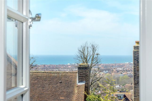 Picture No. 23 of Elm Close, Hove, East Sussex BN3