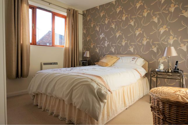 Master Bedroom of Pinfold View, Pollington DN14