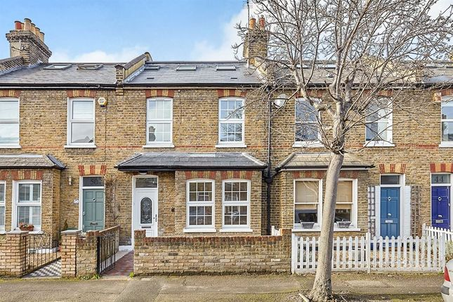 3 bed property to rent in Nelson Road, Wimbledon, London