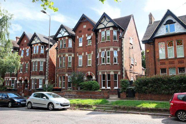 2 bed flat for sale in Clapham Road, Bedford, Bedfordshire MK41