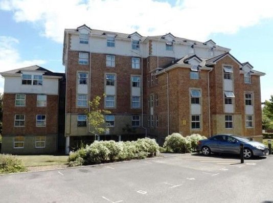 Thumbnail Flat to rent in Suffolk Road, Bournemouth
