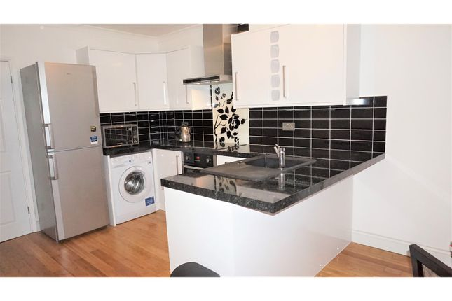 Thumbnail Flat for sale in Beckenham, Beckenham