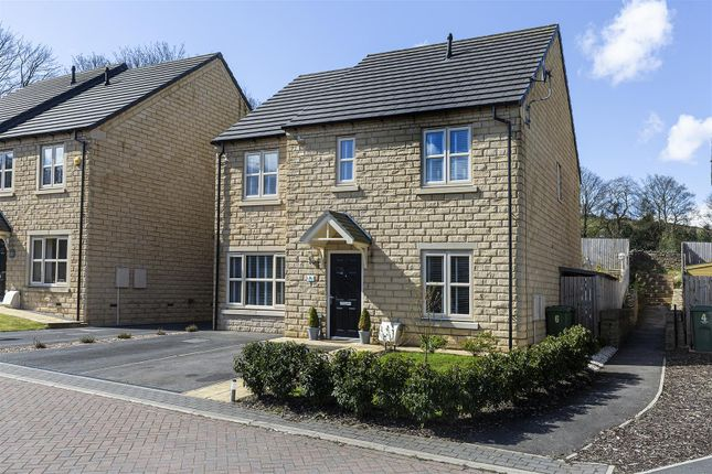 4 bed detached house for sale in Mill House Crescent, Linthwaite, Huddersfield HD7