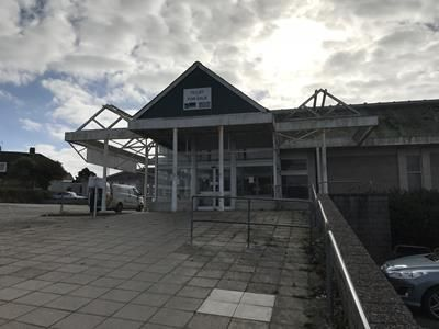 Thumbnail Retail premises for sale in Retail Supermarket, (Former Budgeons), The Parade, Trengrouse Way, Helston, Cornwall