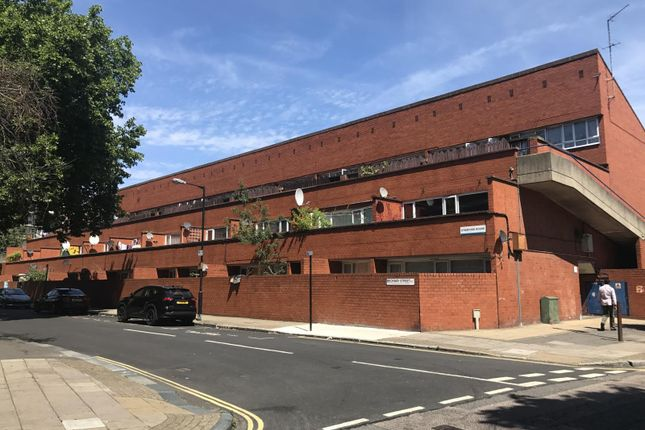 Thumbnail Shared accommodation to rent in Beckway Street, London