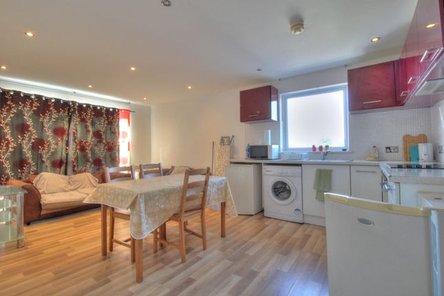 Thumbnail Flat for sale in North Road, Cardiff