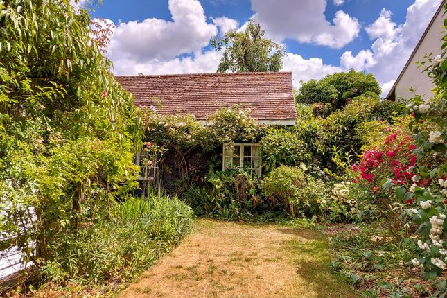 Delightful Secluded Rear And Side Gardens