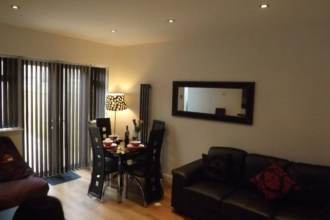 Thumbnail Terraced house to rent in Kensington Avenue, Manchester