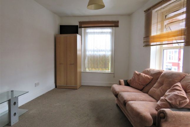 Studio to rent in Clare Road, Grangetown, Cardiff CF11