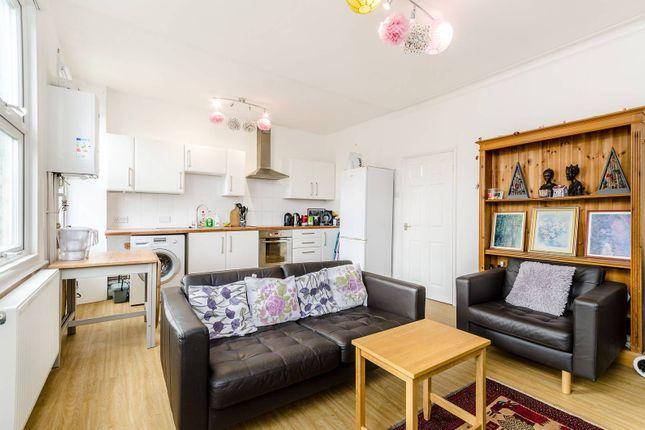 Thumbnail Flat to rent in Morley Road, Lewisham, London