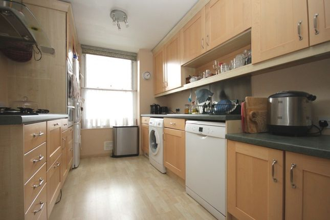 Thumbnail Property to rent in Lennox Road, Finsbury Park, London