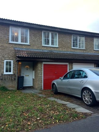 Thumbnail Semi-detached house to rent in Brackendale Close, Hounslow