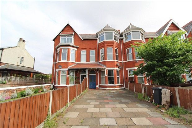 Thumbnail Flat for sale in York Terrace, Southport