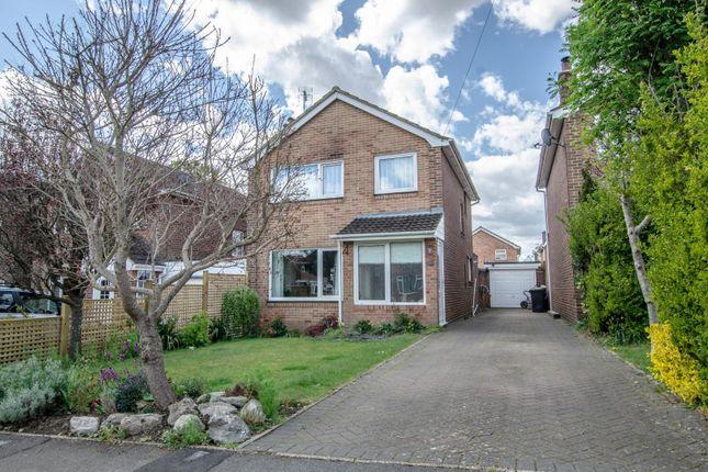 Thumbnail Detached house for sale in Dell Close, Fair Oak, Eastleigh