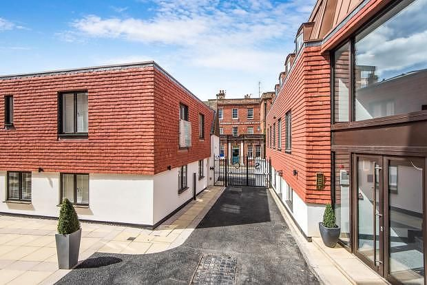 Thumbnail Flat to rent in Chertsey Street, Guildford