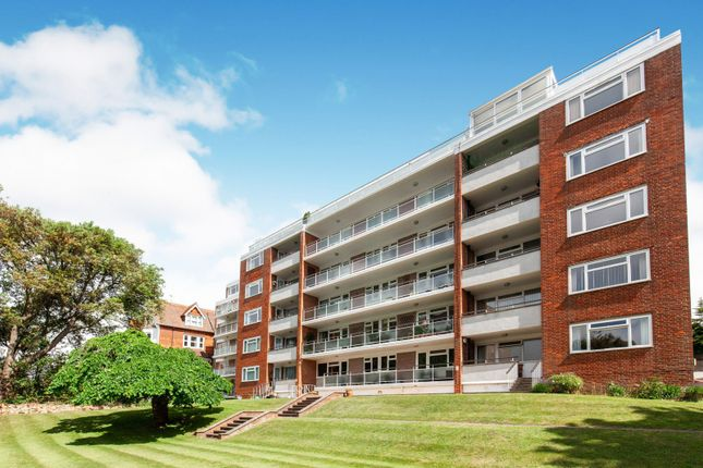 Thumbnail 3 bed flat to rent in Selwyn Road, Eastbourne