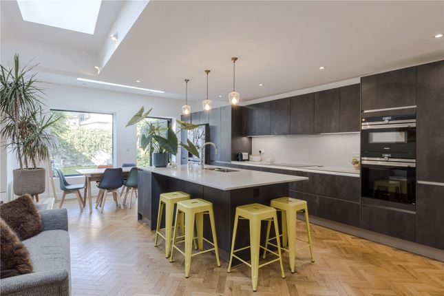 Thumbnail Terraced house for sale in Rowfant Road, London