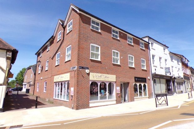Thumbnail Flat to rent in Bell Street, Romsey