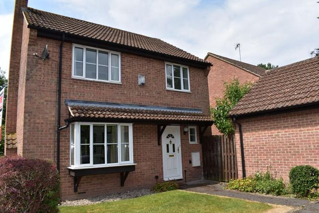 Thumbnail Detached house for sale in Somerset Close, Hungerford
