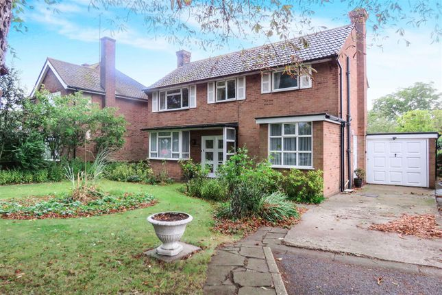 Thumbnail Detached house for sale in Eagle Farm Road, Biggleswade