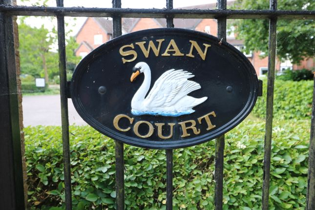 Thumbnail Flat for sale in Swan Court, Banbury Road, Stratford Upon Avon