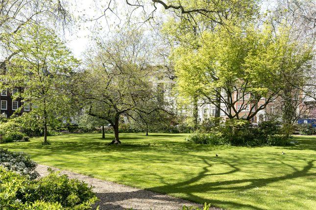 Picture No. 32 of Kensington Square, London W8