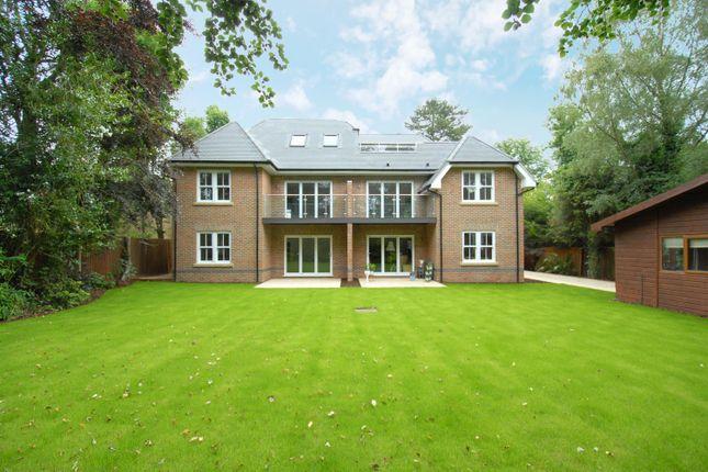 Thumbnail Flat for sale in Gerrards Cross Road, Stoke Poges