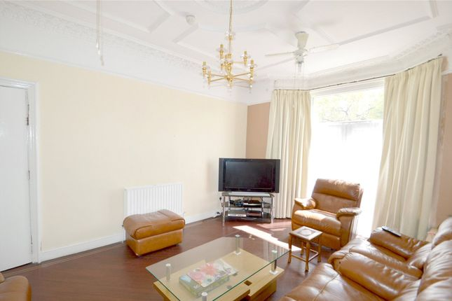 Thumbnail Detached house for sale in Woodside Green, London