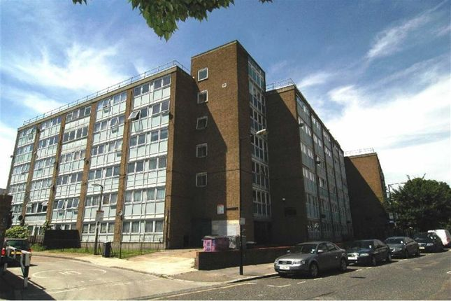 Thumbnail Flat to rent in Morpeth Street, Bethnal Green, London