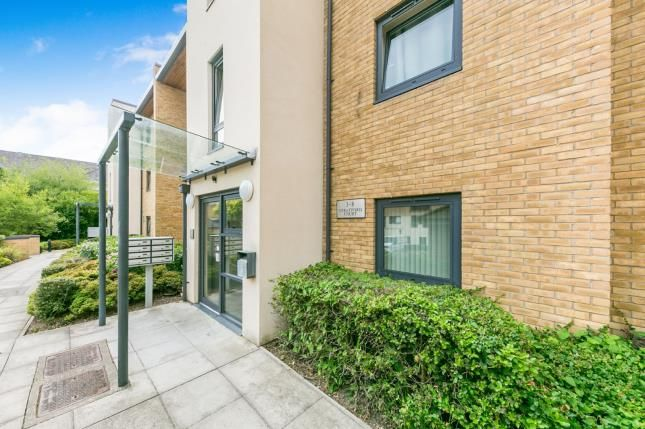 Thumbnail Flat for sale in Victoria Way, Woking, Surrey