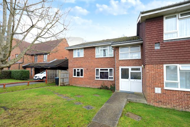 2 bed flat for sale in Smallfield, Surrey