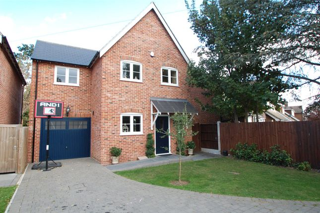 Thumbnail Detached house for sale in Thorncroft, Hornchurch
