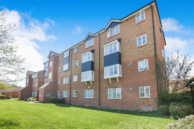 Thumbnail Flat for sale in Fisher Close, Enfield