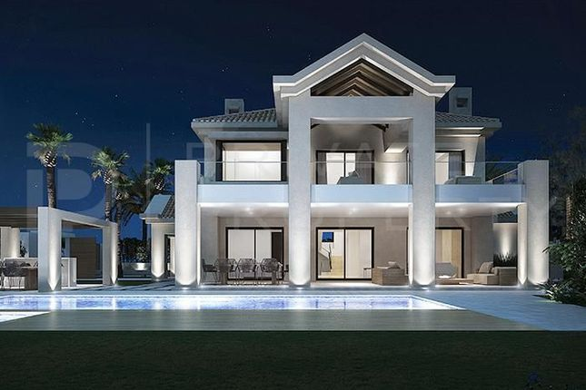Thumbnail Villa for sale in Golden Mile, Marbella, Málaga, Spain