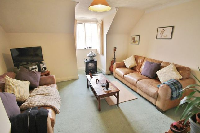 Thumbnail Flat for sale in Little Park, Durgates, Wadhurst